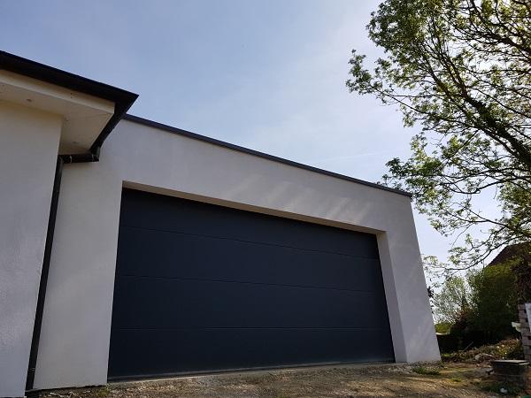 Porte De Garage Sectionnelle Anthracite Motorisée Somfy Neofen